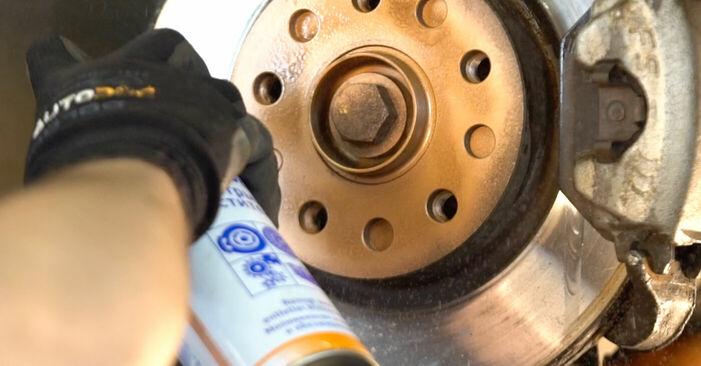 Austauschen Anleitung Bremsscheiben am Mercedes W169 2005 A 180 CDI 2.0 (169.007, 169.307) selbst