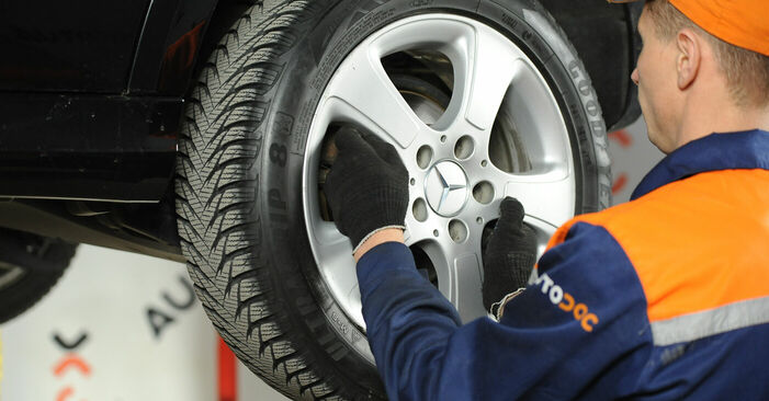 How to remove MERCEDES-BENZ A-CLASS A 200 CDI 2.0 (169.008, 169.308) 2008 Brake Discs - online easy-to-follow instructions