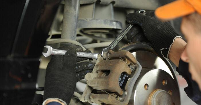 Recomendaciones paso a paso para la sustitución por su cuenta Mercedes W169 2008 A 200 CDI 2.0 (169.008, 169.308) Pastillas De Freno