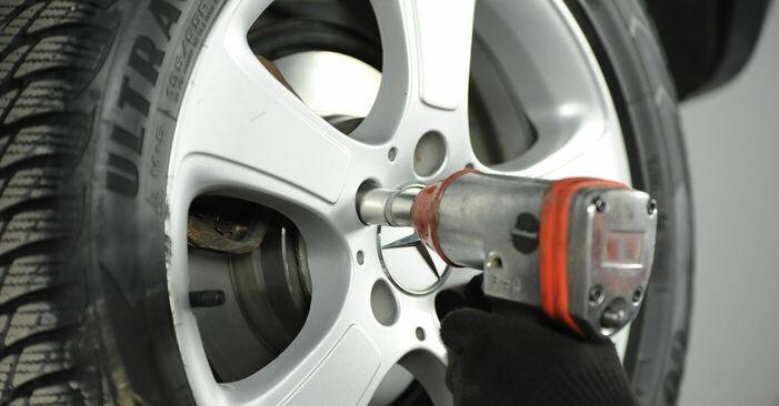Wechseln Bremsbeläge am MERCEDES-BENZ A-Klasse (W169) A 160 CDI 2.0 (169.006, 169.306) 2007 selber