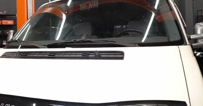 Bremsschläuche VW TRANSPORTER IV Bus (70XB, 70XC, 7DB, 7DW) 1.9 TD 1992 wechseln: Kostenlose Reparaturhandbücher