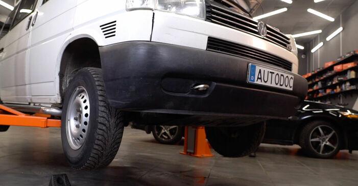 Wechseln Bremsschläuche am VW Transporter IV Bus (70B, 70C, 7DB, 7DK, 70J, 70K, 7DC, 7DJ) 2.5 1993 selber