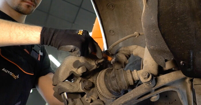 Bremsschläuche beim VW TRANSPORTER 2.4 D 1997 selber erneuern - DIY-Manual
