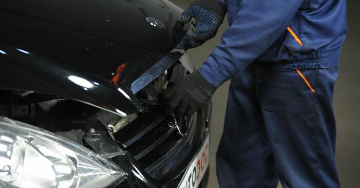 Wie Bremsscheiben Mercedes W169 A 180 CDI 2.0 (169.007, 169.307) 2004 tauschen - Kostenlose PDF- und Videoanleitungen
