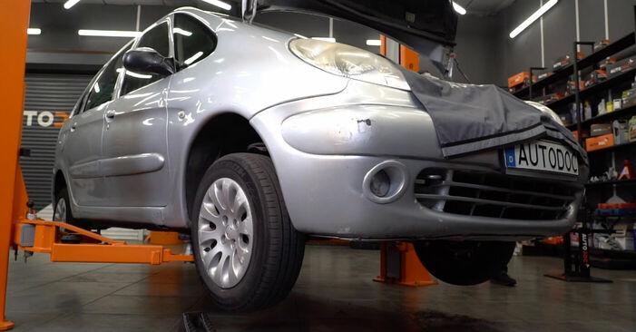 Wechseln Bremsbeläge am CITROËN XSARA PICASSO (N68) 1.6 2000 selber