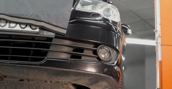 Kā noņemt VW TOURAN 1.6 FSI 2007 Eļļas filtrs - viegli izpildāmas tiešsaistes instrukcijas