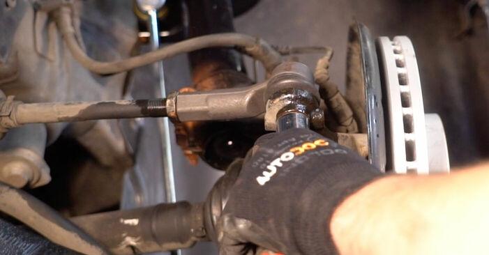 Zweckdienliche Tipps zum Austausch von Spurstangenkopf beim VW TOURAN (1T1, 1T2) 2.0 TDI 2009