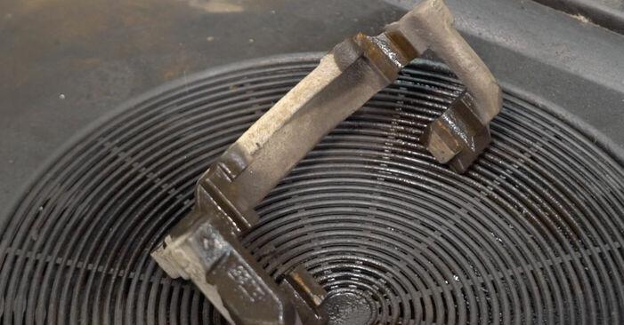 Wie kompliziert ist es, selbst zu reparieren: Bremsscheiben am Touran 1t1 1t2 1.9 TDI 2009 ersetzen – Laden Sie sich illustrierte Wegleitungen herunter