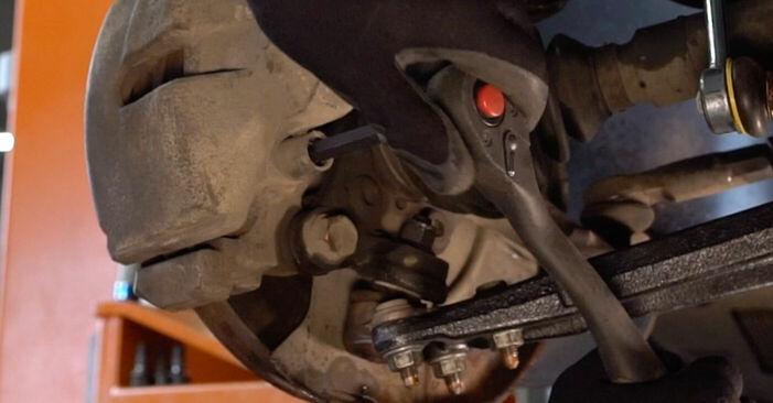 VW TOURAN 2010 Bremsscheiben Schrittweise Anleitungen zum Wechsel von Autoteilen