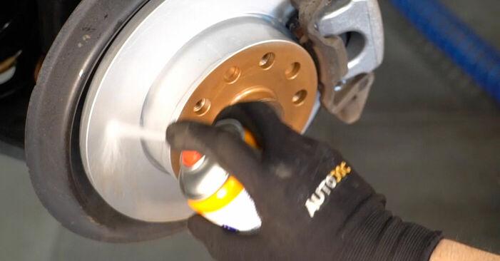 Touran 1t1 1t2 2.0 TDI 16V 2005 Zavorne Ploščice zamenjava: brezplačni priročnik delavnice
