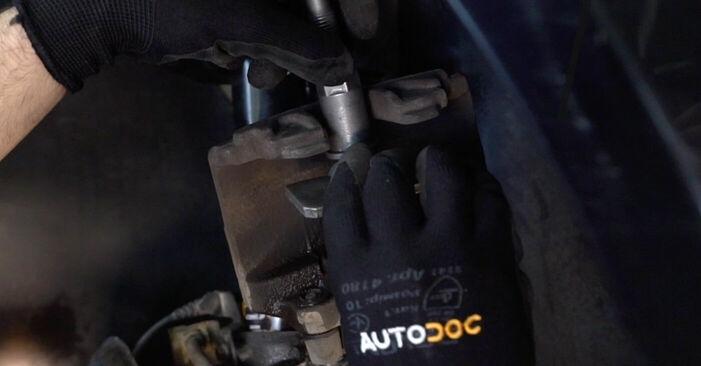 Cambio Pastillas De Freno en VW TOURAN (1T1, 1T2) 2.0 TDI 2009 ya no es un problema con nuestro tutorial paso a paso