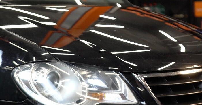 Kako zamenjati Zavorne Ploščice na VW TOURAN (1T1, 1T2) 2007 - nasveti in triki