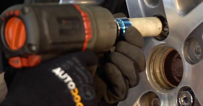 Wie man Stoßdämpfer am VW TOURAN (1T1, 1T2) 2007 ersetzt - Hinweise und Ratschläge