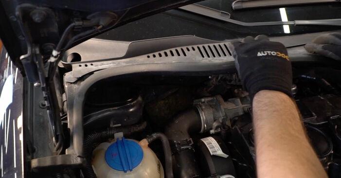 Wechseln Sie Stoßdämpfer beim VW TOURAN (1T1, 1T2) 1.4 TSI 2006 selbst aus