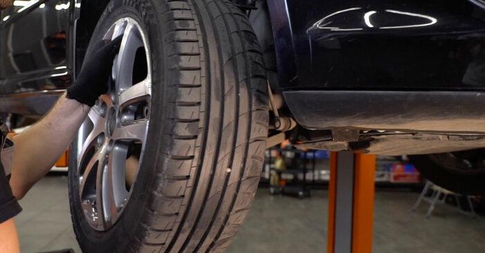 Wie man Federn am VW TOURAN (1T1, 1T2) 2007 wechselt - Hinweise und Ratschläge