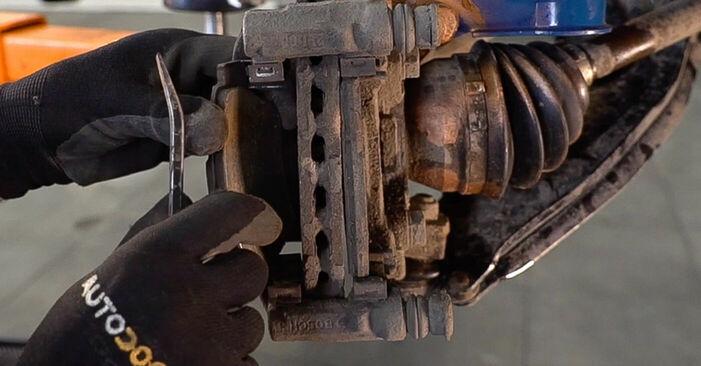 Austauschen Anleitung Bremsscheiben am Fiat Doblo Cargo 2011 1.9 JTD selbst