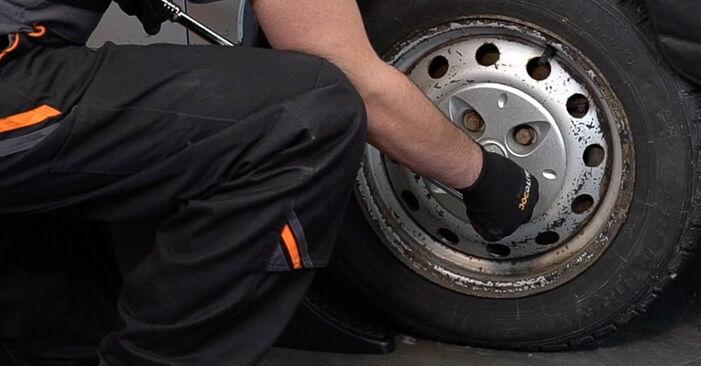 Bremsscheiben Fiat Doblo Cargo 1.9 D 2003 wechseln: Kostenlose Reparaturhandbücher