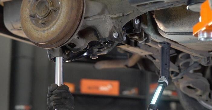 Cât durează înlocuirea: Arc spirala la Ford Focus mk2 Sedan 2012 - manualul informativ în format PDF