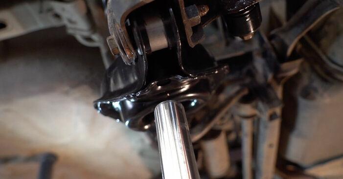 Domlager Ihres Ford Focus mk2 Limousine 1.6 TDCi 2012 selbst Wechsel - Gratis Tutorial