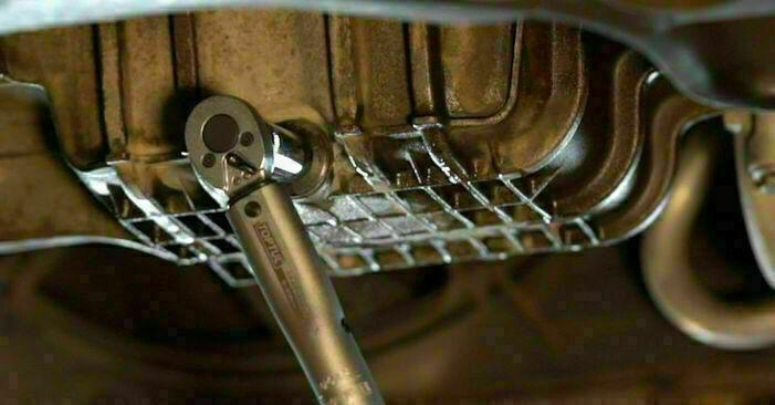 Wie Ölfilter FORD FOCUS II Saloon (DA_) 1.8 TDCi 2005 austauschen - Schrittweise Handbücher und Videoanleitungen