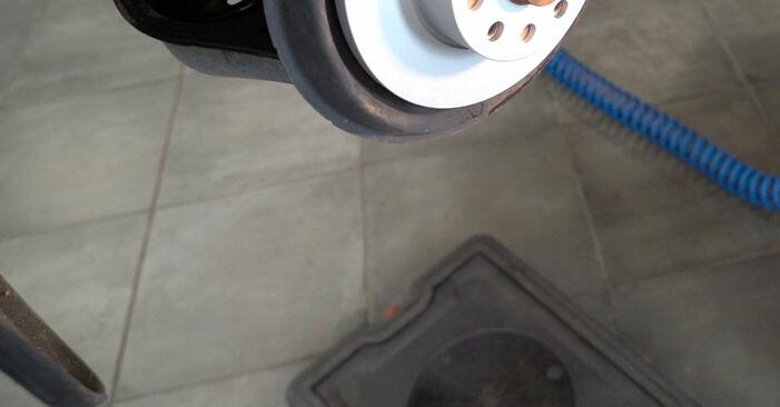 Ersetzen Sie Bremssattel am Touran 1t1 1t2 2005 1.9 TDI selbst