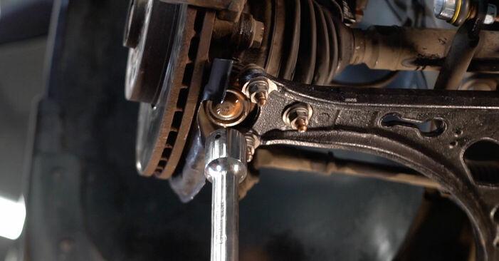 Hoe Draagarm VW TOURAN (1T1, 1T2) 2007 wisselen – raad en uitleg
