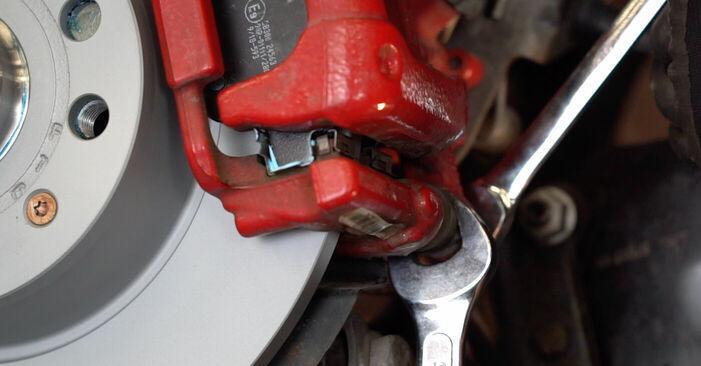 Steg-för-steg-rekommendationer för att byta Golf 6 2009 1.4 Bromsbelägg på egen hand