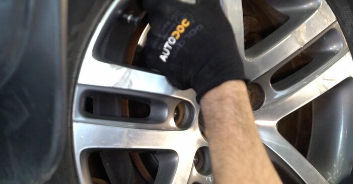 Как да демонтираме VW TOURAN 1.6 FSI 2007 Носач На Кола - онлайн лесни за следване инструкции