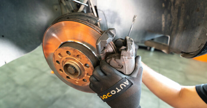 How to change Brake Calipers on Touran 1t3 2010 - free PDF and video manuals