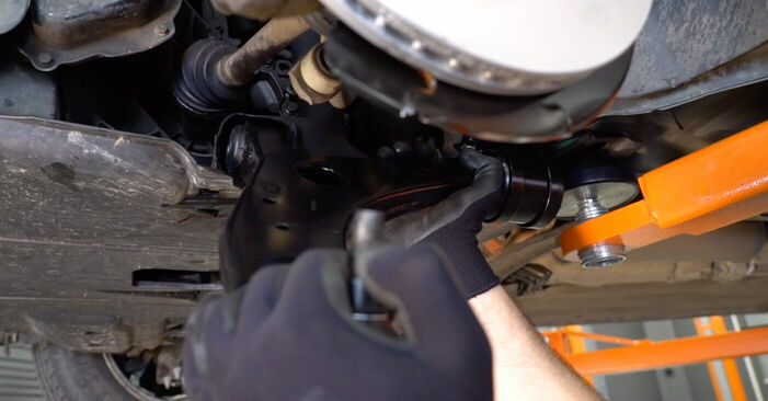 DIY replacement of Control Arm on FORD Focus II Saloon (DB_, FCH, DH) 1.6 2009 is not an issue anymore with our step-by-step tutorial