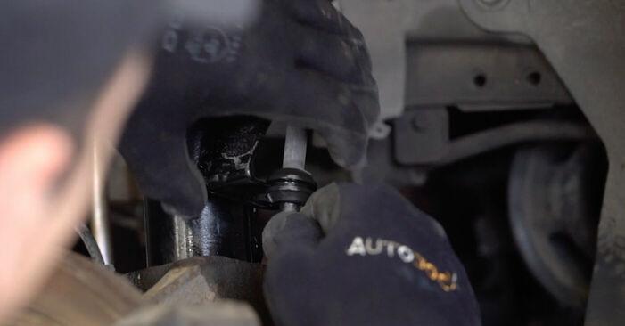 Hogyan Ford Focus mk2 Sedan 2004 Rugózás cseréje - ingyenes PDF és videó-útmutatók