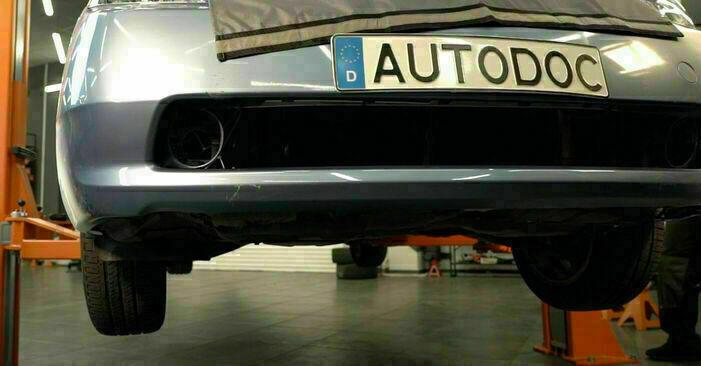 Byt Oljefilter på TOYOTA PRIUS Hatchback (NHW20_) 1.5 Hybrid (NHW2_) 2003 själv
