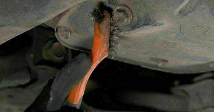 Så byter du Oljefilter på TOYOTA PRIUS Hatchback (NHW20_) 2000: ladda ned PDF-manualer och videoinstruktioner