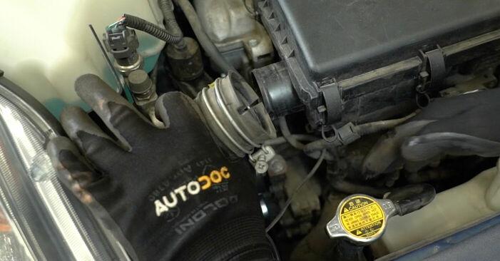 Byt Multirem på TOYOTA PRIUS Hatchback (NHW20_) 1.5 Hybrid (NHW2_) 2003 själv