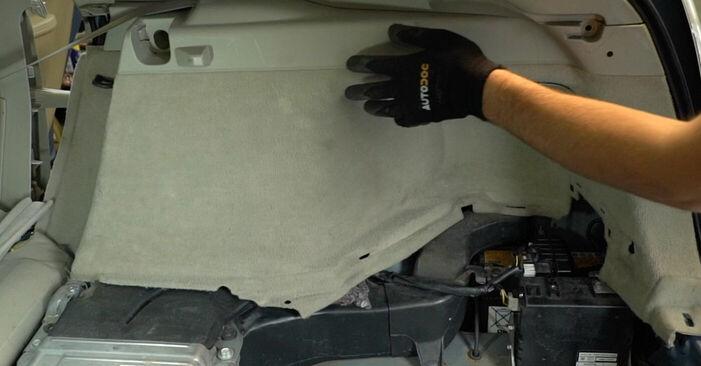 Byt PRIUS Hatchback (NHW20_) 1.5 (NHW2_) 2007 Stötdämpare – gör det själv med verkstadsmanual