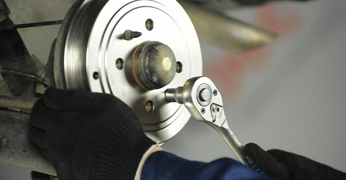 Modifica Ganasce Freno su FIAT PUNTO (188) 1.9 JTD 80 2002 da solo