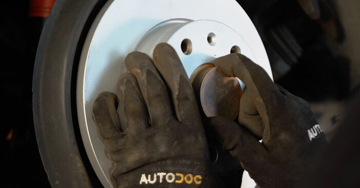 Bremsscheiben Touran 1t1 1t2 2.0 TDI 2005 wechseln: Kostenlose Reparaturhandbücher