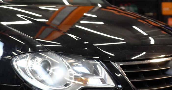 Wechseln Bremsscheiben am VW TOURAN (1T1, 1T2) 1.4 TSI 2006 selber