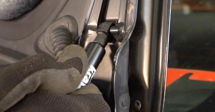 Wie schwer ist es, selbst zu reparieren: Heckklappendämpfer BMW E92 320i 2.0 2010 Tausch - Downloaden Sie sich illustrierte Anleitungen