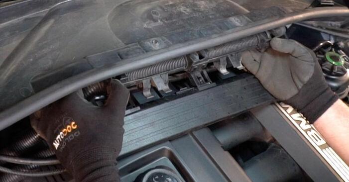 Tausch Tutorial Zündkerzen am BMW 3 Coupe (E92) 2008 wechselt - Tipps und Tricks