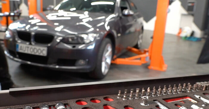 BMW E92 320d 2.0 2008 Control Arm replacement: free workshop manuals