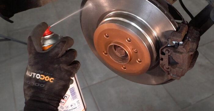 Wie BMW 3 SERIES 325i 2.5 2008 Bremsscheiben ausbauen - Einfach zu verstehende Anleitungen online