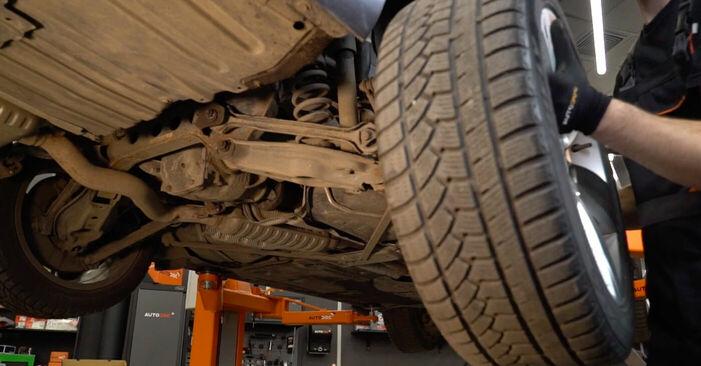 Bremsbeläge beim BMW 3 SERIES 325d 3.0 2011 selber erneuern - DIY-Manual