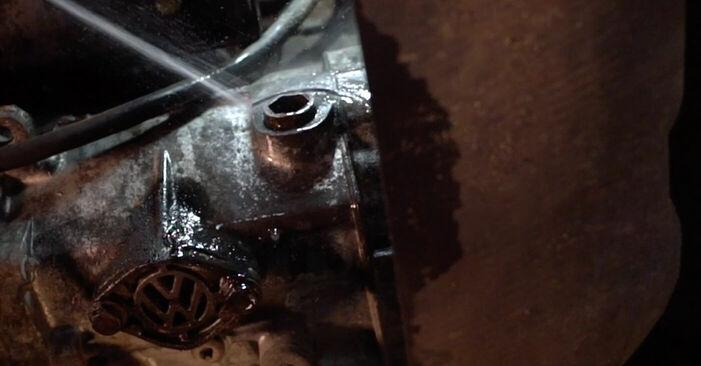 Tausch Tutorial Getriebeöl und Verteilergetriebeöl am VW Transporter IV Bus (70B, 70C, 7DB, 7DK, 70J, 70K, 7DC, 7DJ) 2002 wechselt - Tipps und Tricks