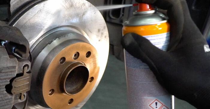 Wie schwer ist es, selbst zu reparieren: Spurstangenkopf BMW E92 320i 2.0 2006 Tausch - Downloaden Sie sich illustrierte Anleitungen
