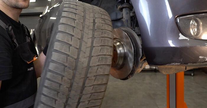 Wie BMW 3 SERIES 325i 2.5 2010 Spurstangenkopf ausbauen - Einfach zu verstehende Anleitungen online