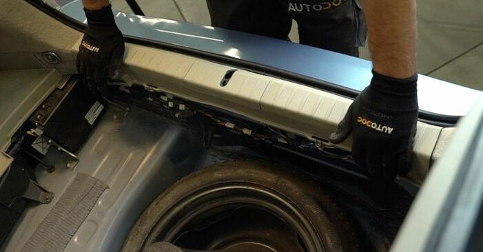 Kā nomainīt TOYOTA PRIUS Hatchback (NHW20_) 1.5 (NHW2_) 2004 Piekare - pakāpeniskās rokasgrāmatas un video ceļveži