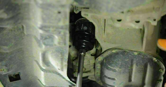 Ölfilter Toyota Yaris p1 1.3 (SCP12_) 2001 wechseln: Kostenlose Reparaturhandbücher