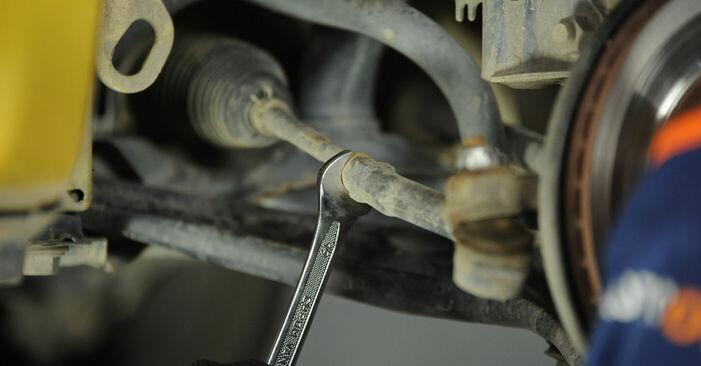 Spurstangenkopf am TOYOTA Yaris Schrägheck (_P1_) 1.3 4WD (NCP15) 2004 wechseln – Laden Sie sich PDF-Handbücher und Videoanleitungen herunter