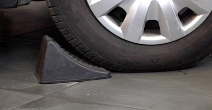 Πώς να αντικαταστήσετε TOYOTA Yaris Hatchback (_P1_) 1.0 (SCP10_) 2000 Τακάκια Φρένων - εγχειρίδια βήμα προς βήμα και οδηγοί βίντεο